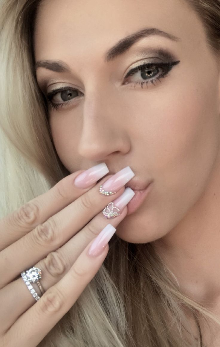 Mel Viljoen  Queen of Tammy Taylor Nails SA Nail boss of SA Tammy taylor SA