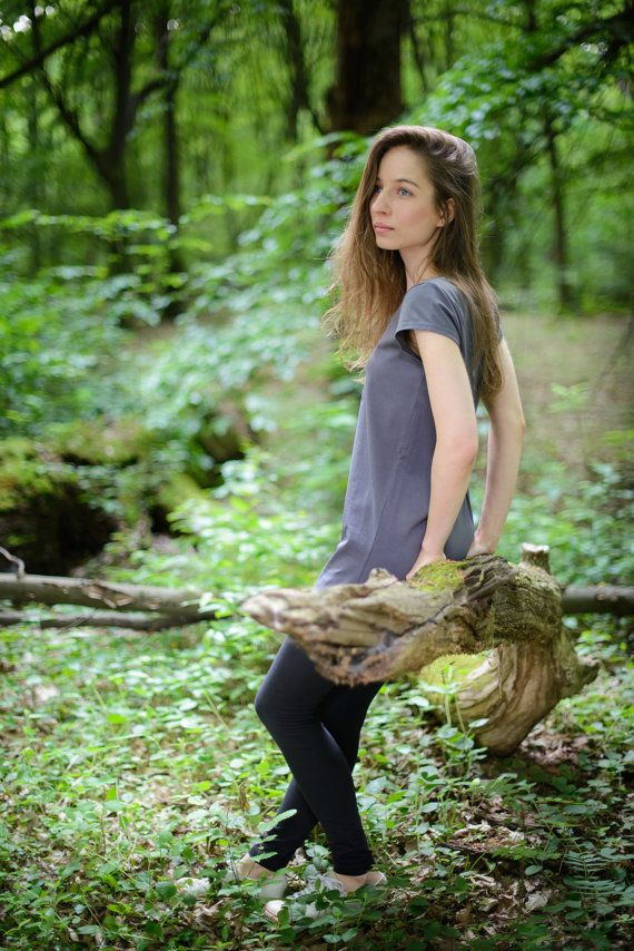 dark gray tunic made from organic cotton and 5% by SISSorganic #mori girl
