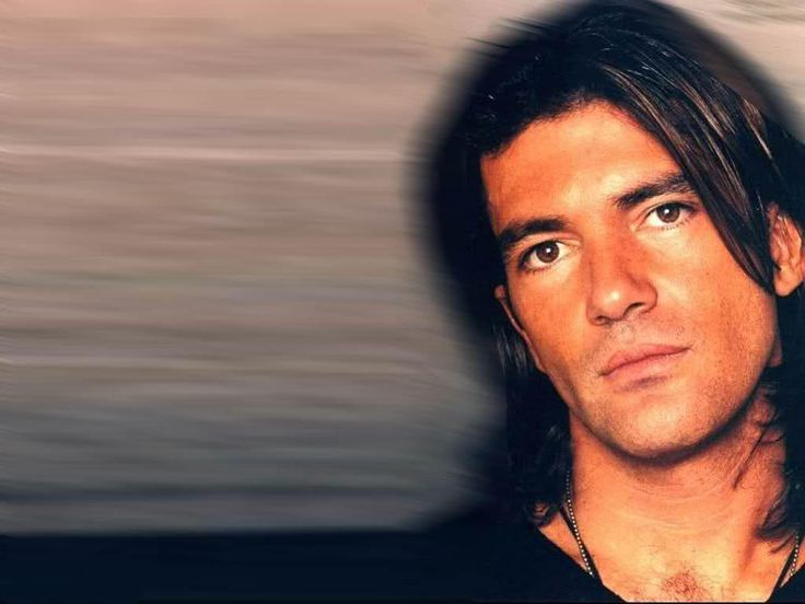 Young Antonio Banderas so wrong it's right!