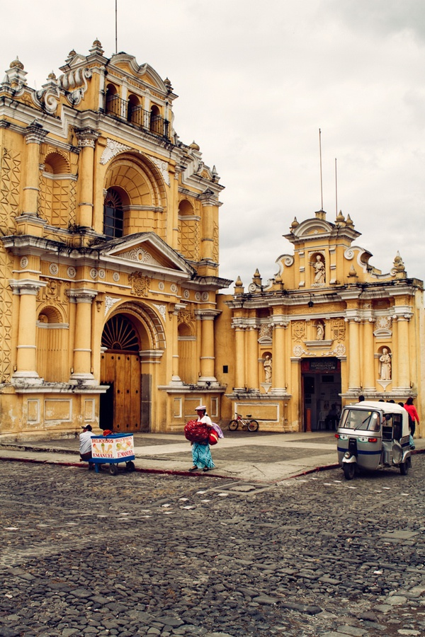 Iglesia del Hospital San Pedro, Antigua, Guatemala.  Photo: David Delgado via 500 px