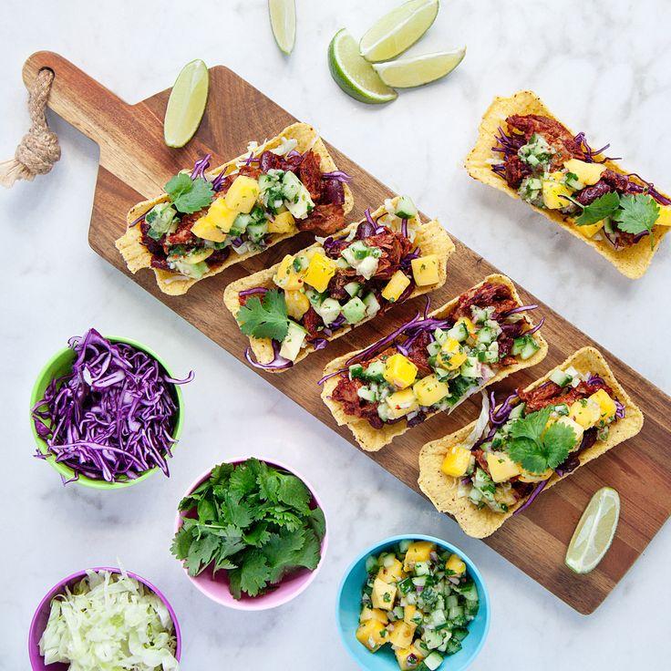 Pulled Oumph taco med mango- och chilisalsa - Recept - Tasteline.com