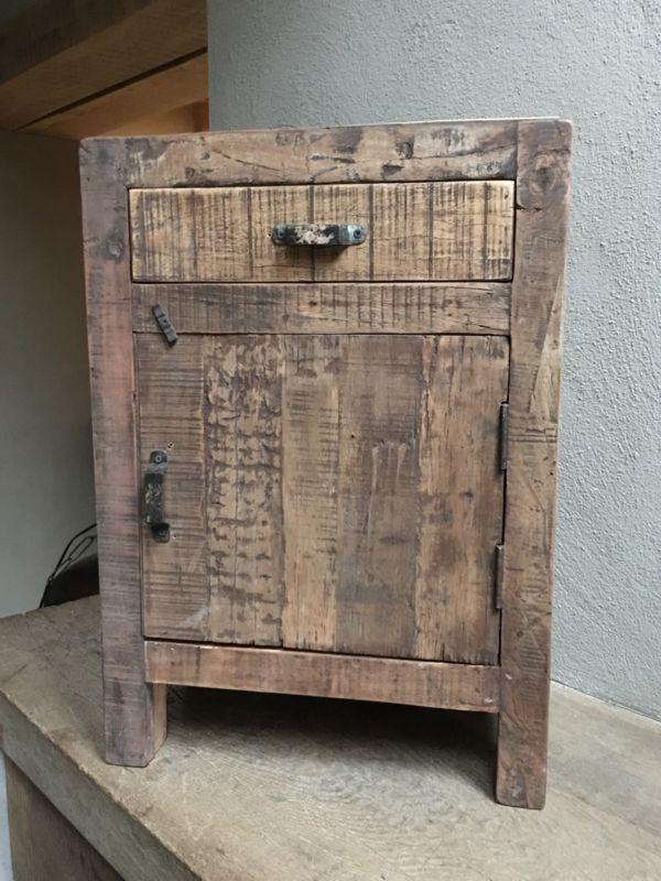 Verwonderlijk Oud vergrijsd houten nachtkastjes nachtkastje landelijk vergrijsde YE-32