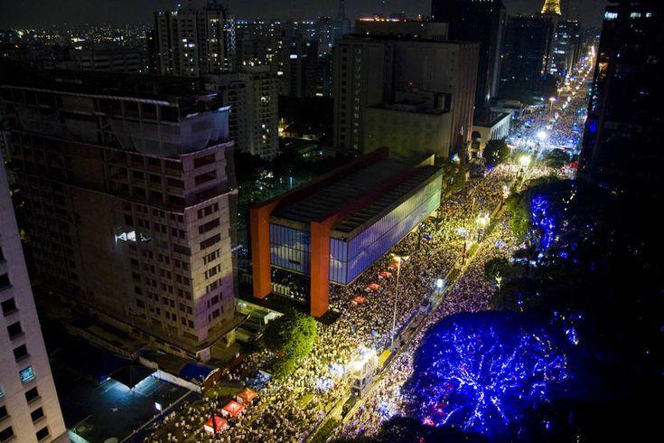 Virada em SP terá clima ameno e chuviscos - São Paulo - Estadão