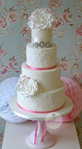 Pink lace & roses wedding cake