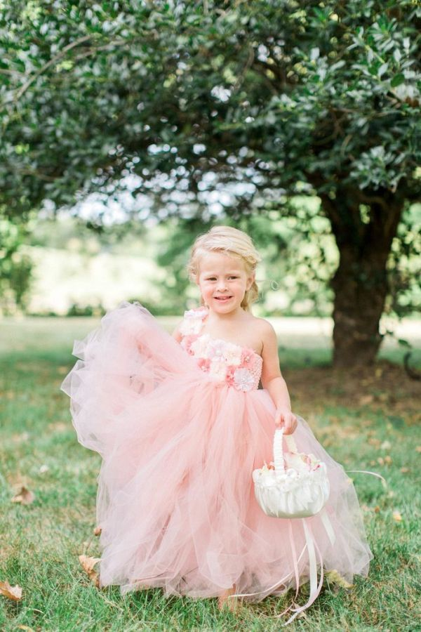 Flower girl    #wedding #weddingideas #weddings #aislesociety #eventdesign #vintageweddings