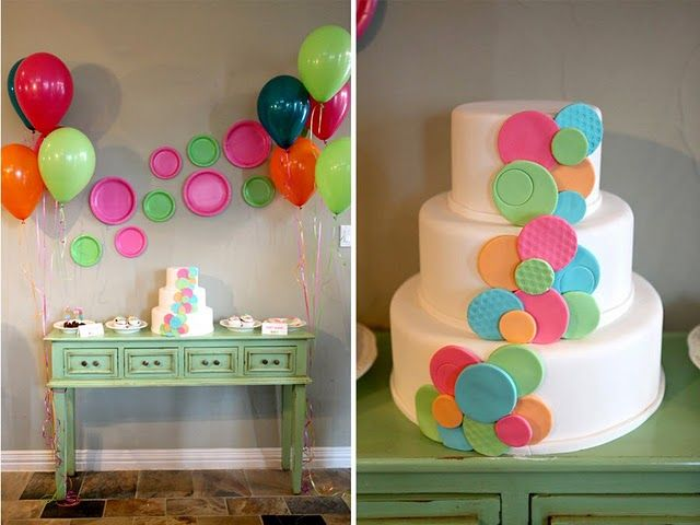 bubbles!Showers, Shower Ideas, Polka Dots, Baby Shower Theme, Cake Pop, Paper Plates, Pop Baby Shower, Baby Shower Cake, Baby Shower