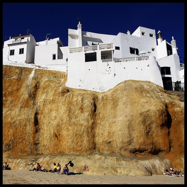 stayed in similar property to this from http://rentin-albufeira.co.uk/ last year.