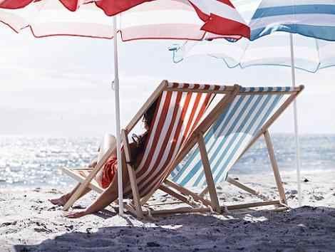 Sillas de playa Ikea para disfrutar del verano http://ini.es/1kM86Yw #Ikea, #SillasDePlaya, #Tumbonas, #Verano