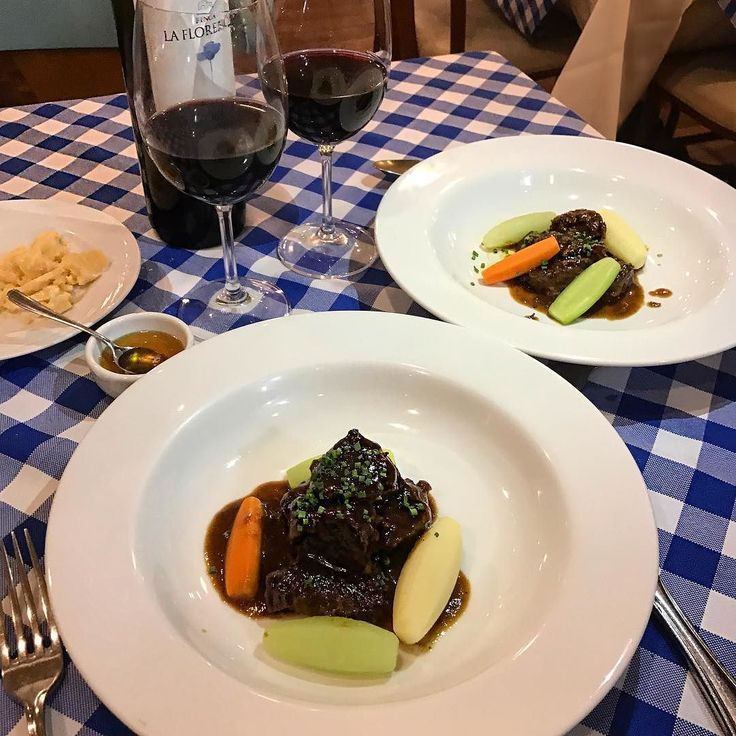 O @levin_bistro é meu restaurante francês favorito na cidade e hoje fomos conhecer o menu especial em homenagem à Queda da Bastilha que é amanhã! Todas as filiais terão cardápio especial menção honrosa pro Navarin de Cordeiro delícia!