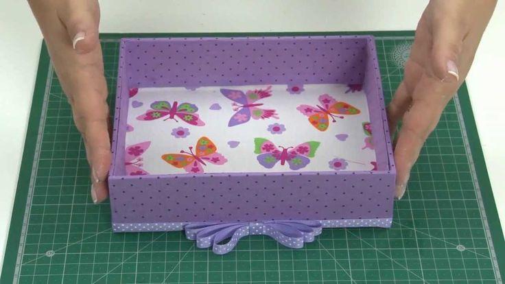 Caixa em MDF forrada com tecido e tampa com borboletas e efeito 3D!!!
