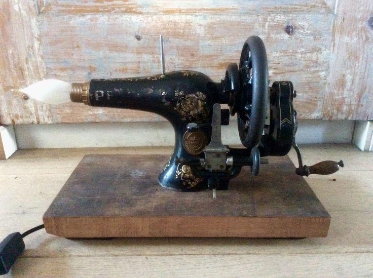 Hang/sta-lamp van Pfaff naaimachine 150,-