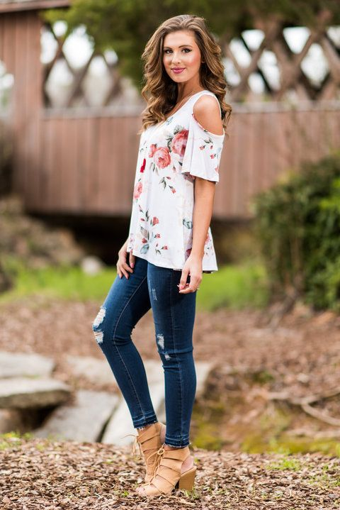 """Strive To Flourish Top, Ivory""You are going to look amazing in this top! How could you not?! The cut is both comfy and flattering while the print is just what you need this spring! #newarrivals #shopthemint"
