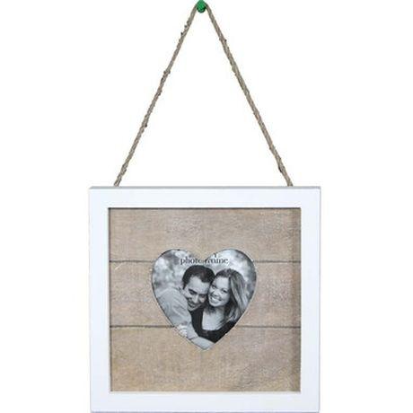 """Ramka """"Serce""""Urocza, drewniana ramka na zdjęcie z okienkiem w kształcie serca."""