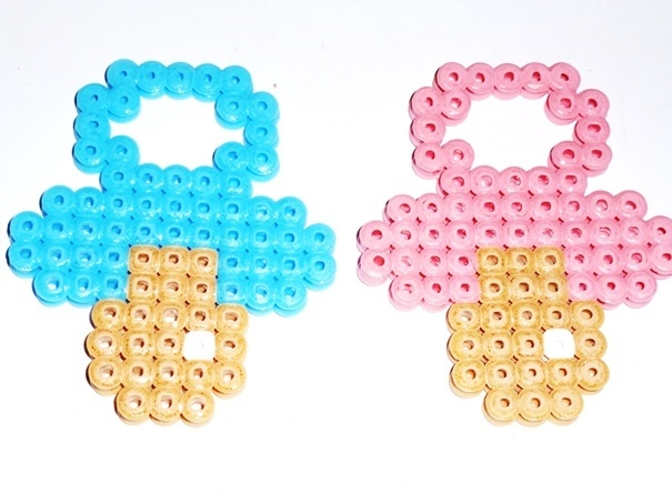 Tétine Fille ou Garçon hama beads by lune-de-cristal