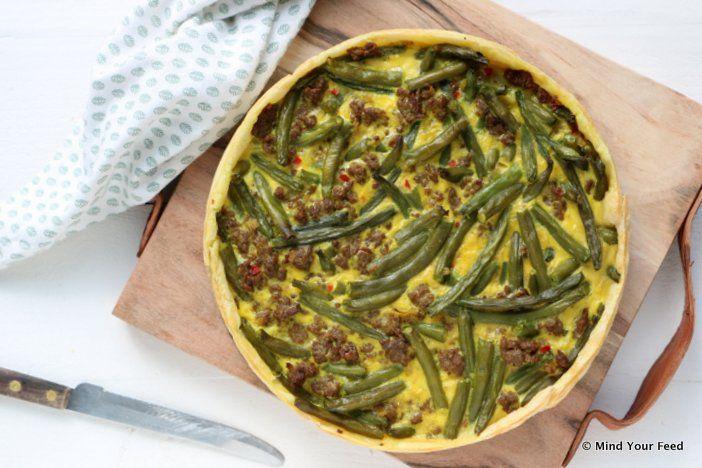 Een hartige taart is altijd makkelijk en een lekkere complete maaltijd. Probeer eens deze quiche met sperziebonen en gehakt, met kerrie kruiden.