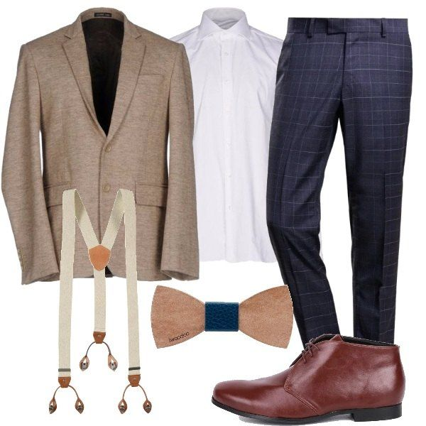 Una classica camicia bianca, in cotone, pantaloni a quadri a fondo blu, in lana, giacca beige in flanella. Abbiniamo stringate in fintapelle color marrone scuro, papillon in cuoio e bretelle color ecrù con dettagli in pelle.