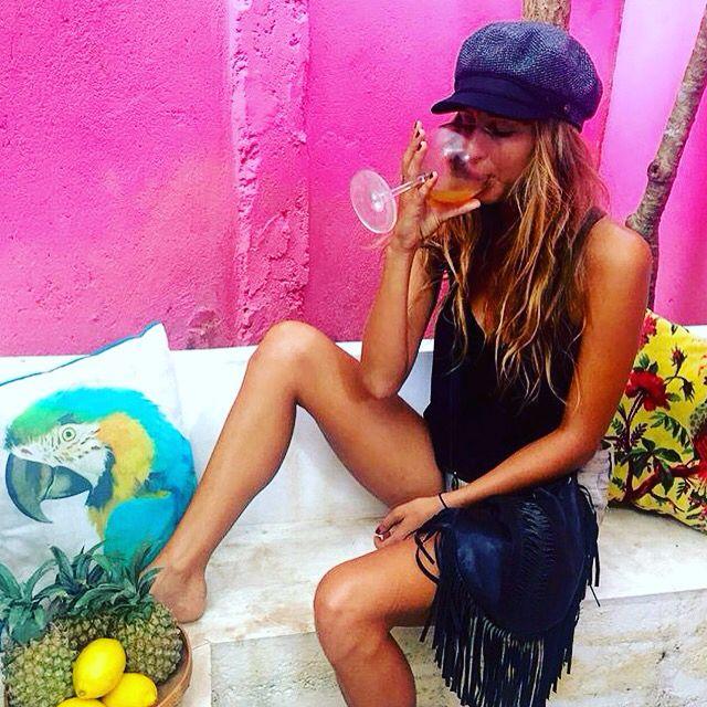 A pretty lady with healthy Kombucha habits & our Desert Dreamer fringebag in Burnt Caramel.