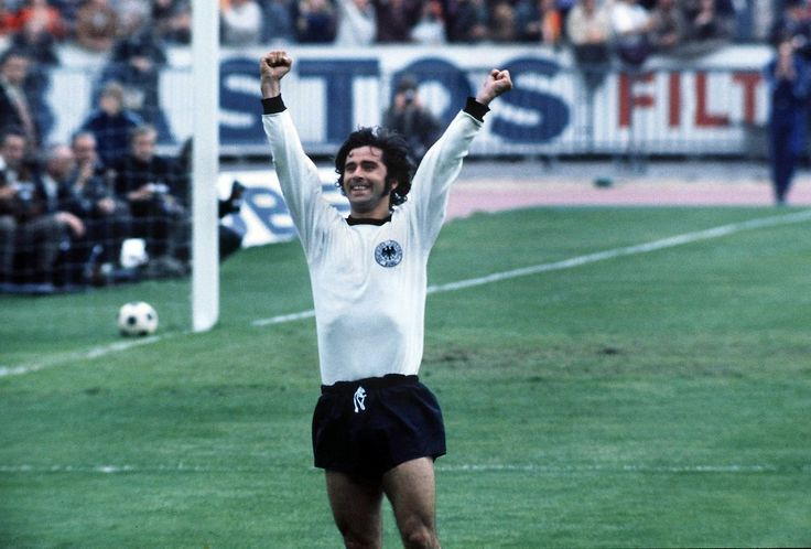 """Panenka on Twitter: """"Es el cumpleaños de Gerd 'Torpedo' Müller. Un adicto al remate que llegó a marcar 85 goles en un solo año (1972) https://t.co/2wwATL0H1c"""""""