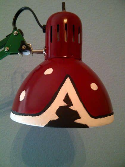 Super Mario Piranha Plant Lamp ~ http://www.instructables.com/id/Super-Mario-Piranha-Plant-Lamp/