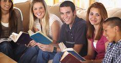 Temas de conversación para jóvenes basados en la Biblia. Establecer una comunicación abierta con los niños te ofrece la oportunidad de poder alentarlos mientras crecen. Puedes ayudarlos a moverse hacia una vida diaria saludable e independiente, guiándolos en la búsqueda de respuestas a temas confusos. Aborda a los jóvenes con temas que sean importantes para sus circunstancias específicas. Ser un ...