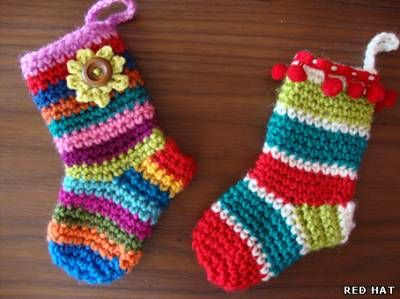 Пантофки, обувчици, терлички, чорапки... - Всичко, което ни вълнува...: Christmas Socks, Free Pattern, Christmas Crochet Patterns, Gifts Ideas, Crochet Tutorials, Crochet Christmas, Christmas Stockings, Crochet Socks, Diy Christmas