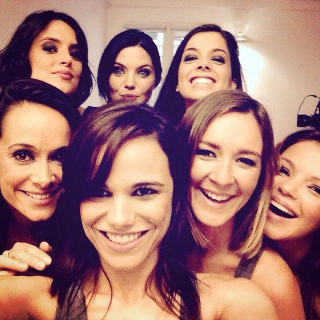 ~ Entourée de 6 canons sur le tournage du court-métrage de @karinelimaofficiel : 7 filles, une coupable... À découvrir très très prochainement!! Du haut - de la gauche vers la droite: Sarah‐Laure Estragnat Delphine Chanéac Anaïs Parello Karine Lima Melissa Mars (me) Emmanuelle Boidron Sévérine Ferrer #selfie #Paris #shortmovie #courtmetrage #nikon #jesuiscoupable #SarahLaureEstragnat #DelphineChanéac #AnaïsParello #KarineLima #EmmanuelleBoidron #SévérineFerrer #me #melissa #mars #melissamars