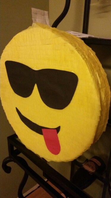17 best images about pi atas de emojis on pinterest for Decoration pinata
