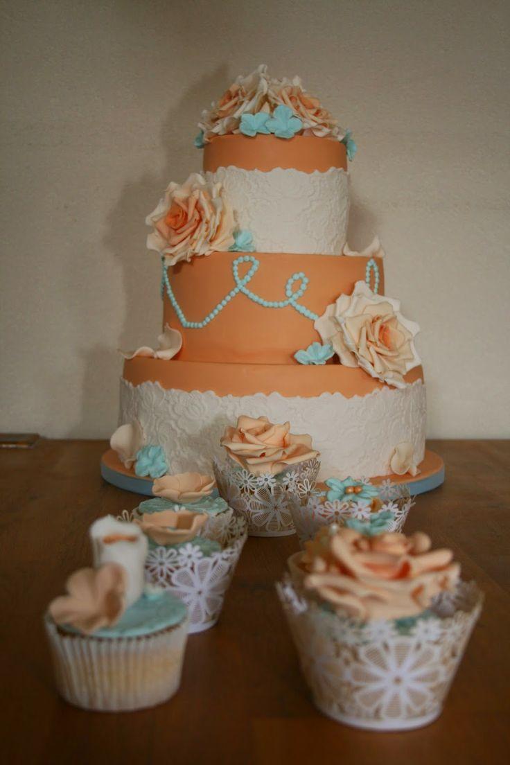 Juffrouw Taart: Perzik met blauw bruidstaart
