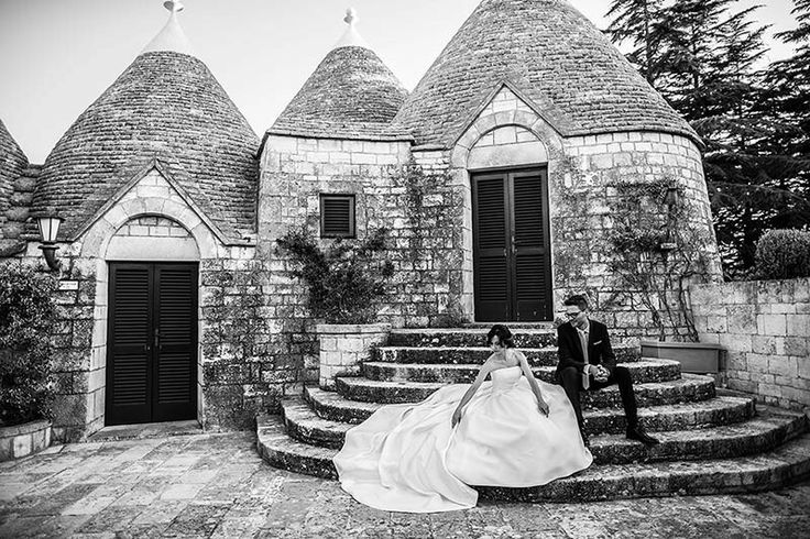 Wedding photo shooting with trulli as a background.