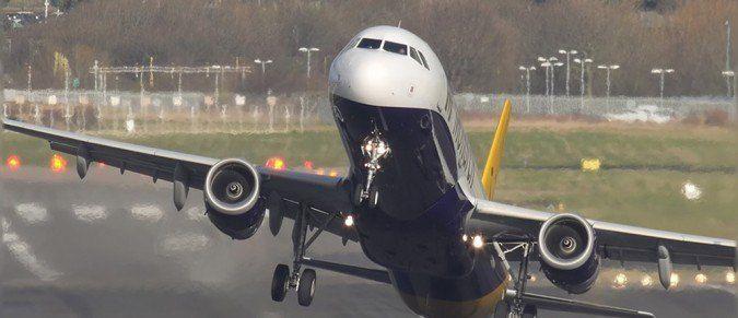 Te samoloty niemal rozbiły się przy lądowaniu. Piloci muszą mieć ogromne cojones.