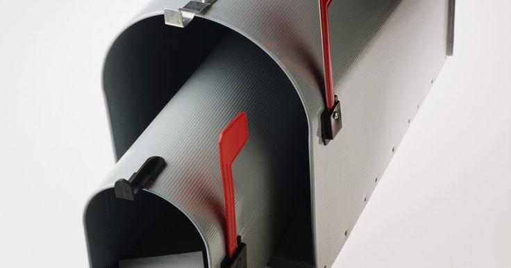 La forma correcta de escribir un saludo y reconocimiento en los correos electrónicos formales. El correo electrónico ha superado el uso más convencional de correo permitiendo enviar su mensaje de forma instantánea, sin necesitar de papel, sobres o postales. Aunque los correos electrónicos normalmente son escritos de manera informal, aquellos comerciales deben escribirse en el formato de la carta comercial tradicional. Los correos ...