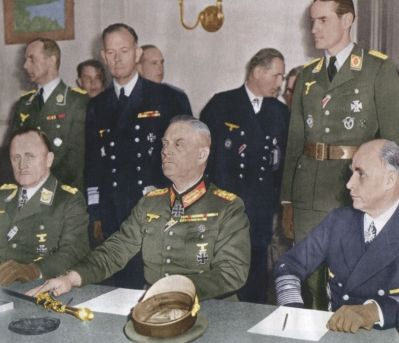 Data de 9 mai 1945 reprezintă un moment simbolic pentru istoria lumii. Această dată este, în general, recunoscută drept momentul oficial al capitulării Germaniei  în cel de-al doilea Război Mondial.. Postat pe 09 mai 2016 | Romania libera - stiri iesite din tipar - actualitate, investigatii, politica, cultura, diaspora, video..