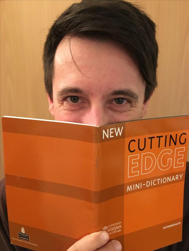 Angol nyelvtanulónk, aki a Hello English Nyelviskolában jutott el a sikeres nyelvvizsgáig.  A kép további felhasználásához a szerző nem járult hozzá!