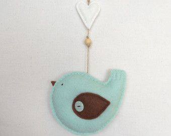 PDF pattern - Felt bird with heart ornament. Felt ornament, nursery decoration