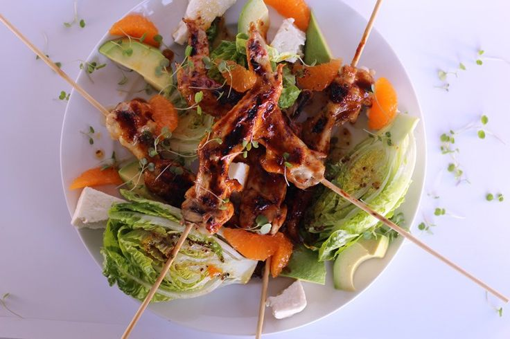 Salad with grilled chicken wings