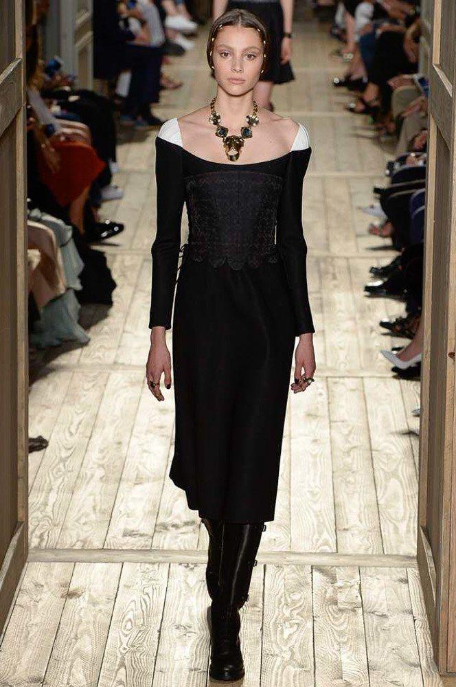 Valentino Fall 2016 Couture Fashion Show                                                                                                                                                      More