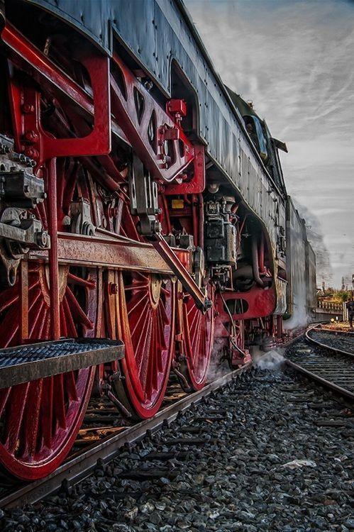 Black and Red Steam Locomotive  _____________________________ Bildgestalter http://www.bildgestalter.net