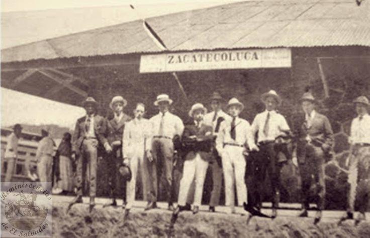 Estacion del Tren en Zacatecoluca La construcción de la línea ferroviaria que partió desde el puerto Cutuco, en La Unión, rumbo a San Salvador llevó varios años , uniendo diversas ciudades, incluyendo en ese trayecto a Zacatecoluca,  La obra, en el centro y oriente del país, estuvo a cargo de la compañía International Railways of Central America (IRCA), subsidiaria de la United Fruit Company. Railways de El Salvador.