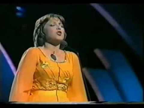 Eurovision 1977 France - Marie Myriam - L'oiseau et l'enfant - YouTube