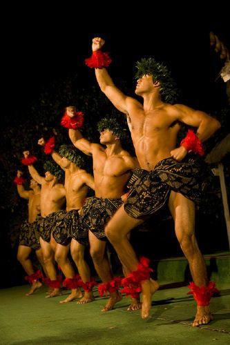 Kane Kahiko Hula ~ Hawaii