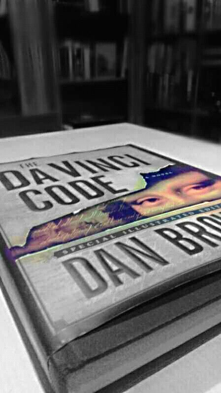 "Book ""davinci code"""