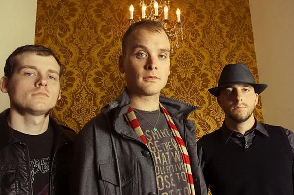 Alkaline Trio have announced they are recording their new album with the Descendents drummer Bill Stevenson. Frontman Matt Skiba said,