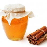 Med a skořice