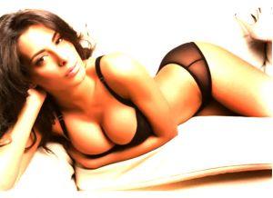 Sidonie Biémont, la #sexy fidanzata del numero 13 rossonero, Adil #Rami   #calcio #hot #france