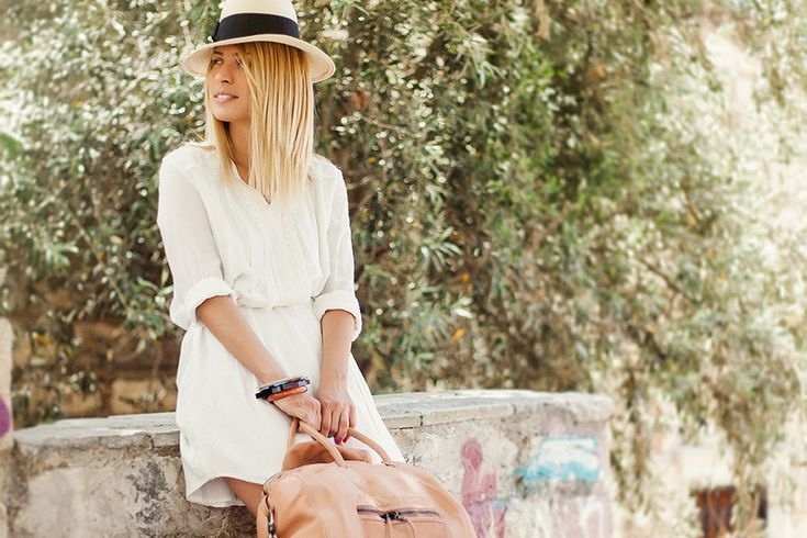 The White One-Φόρεμα Bonsui (Affekt), καπέλο H&M, βραχιόλια Toi&Moi, τσάντα Utopia και παπούτσια Ash (όλα The Bag)