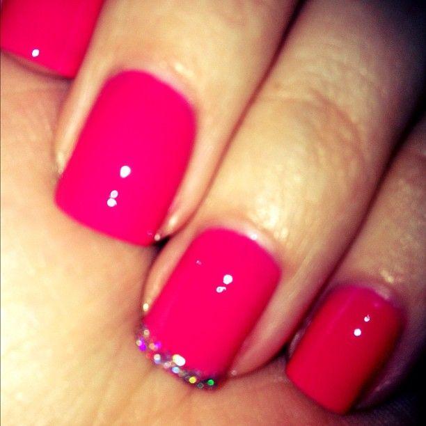 Another pretty mani courtesy Khloé Kardashian Odom