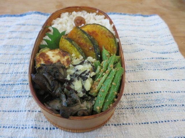 ・かぼちゃのオーブン焼き(塩のみ)  ・ズッキーニのフリット  ・いんげんの胡麻酢和え  ・ひじき入りポテトサラダ(バルサミコ酢とオリーブオイルで味付け。マヨネーズなし)  ・舞茸の青のりキンピラ