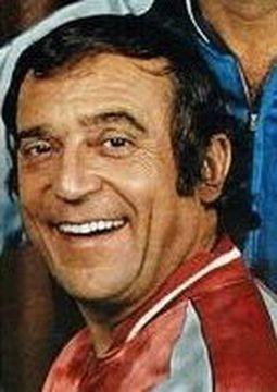 Jean Robert Thibaut (1923). Il est né à Saint-Bris-le-Vineux (89). Il suit les cours Simon et débute au cabaret avec son compère : Roger Pierre (La guerre de sécession). C'est un acteur de talent qui a aussi été homme de radio, auteur de théâtre, homme...