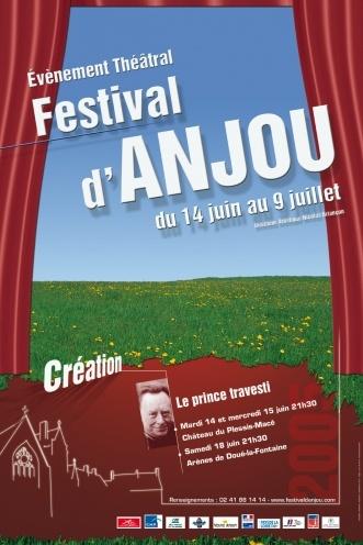Chaque année, en juin et en juillet, le Festival d'Anjou propose à Angers et dans le département des représentations de plus d'une quinzaine de pièces dont de nombreuses créations, dans les plus beaux sites historiques