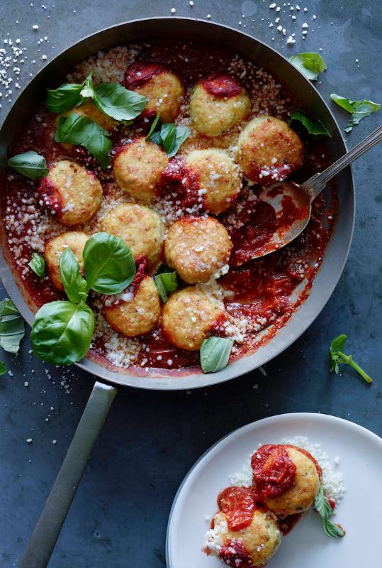 Chicken Parmesan Meatballs from www.whatsgabycooking.com (@whatsgabycookin)